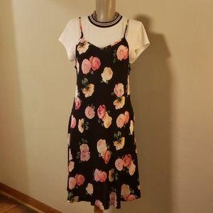 The Edit summer floral 2 piece set. Size L